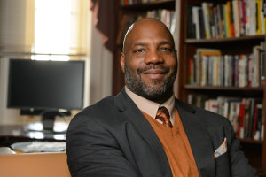 Race relations expert highlights fifth annual book read