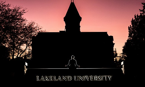 Just breathe: Alumna teaches free yoga at Lakeland
